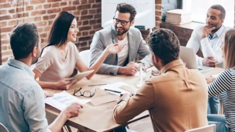 Membangun Komunikasi yang Efektif dalam Perusahaan