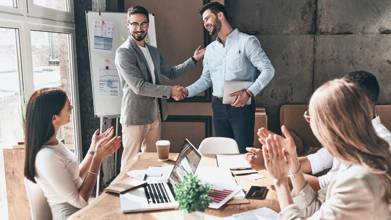 5 Tipe Kepemimpinan Dalam Organisasi