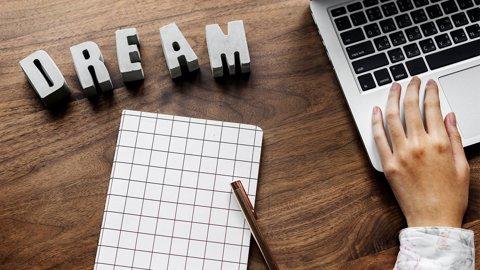 Tetapkan Mimpi Setinggi Mungkin! Apakah Masih Relevan di Zaman Sekarang?