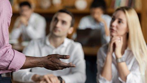 Aspek Non Verbal Dalam Berkomunikasi