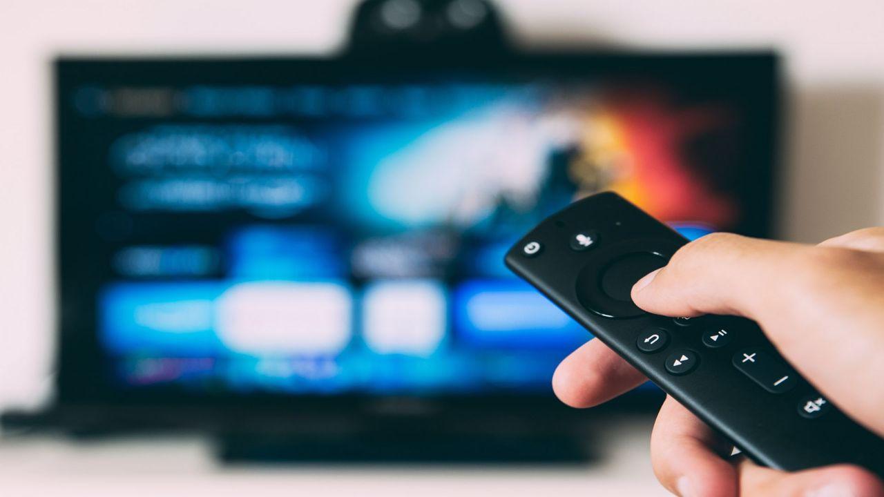Televisi Hari ini (TV vs Digital)